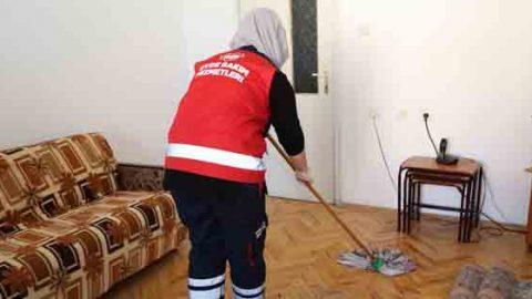 'Evde temizlik ve bakım hizmeti' gönüllere dokunuyor