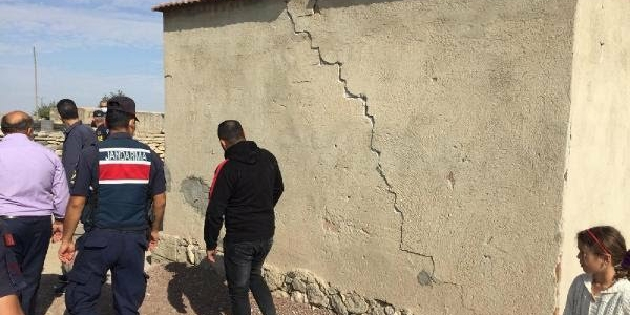 Deprem, Emirgazi'de 10 eve hasar verdi