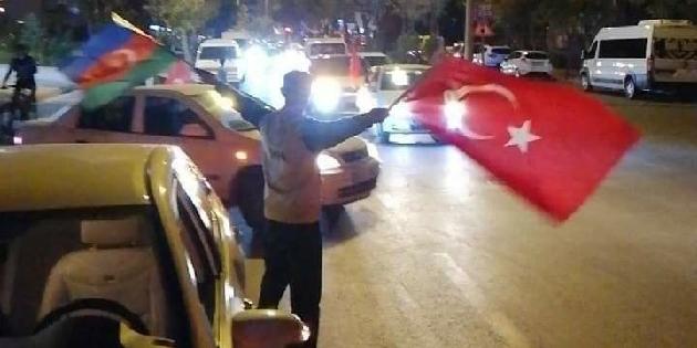Aksaray'da yüzlerce araç Azerbaycan için korna çaldı
