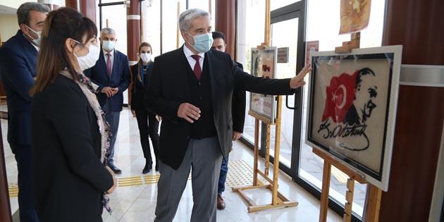 ASÜ'de 10 Kasım ve Atatürk temalı sergi açıldı