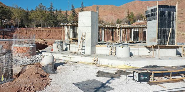 Bedir Muhtar Cami ve Külliye inşaatı hızla yükseliyor