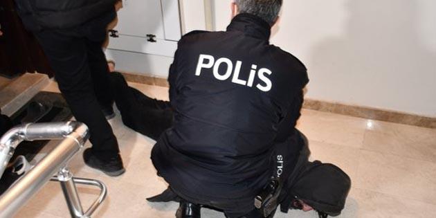 Polis aracına çarpıp kaçan 5 kişi yakalandı