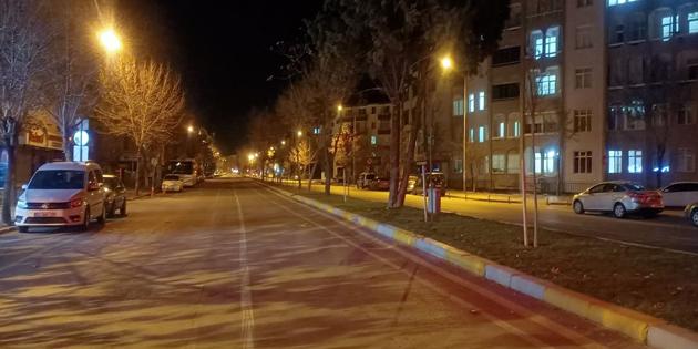 Sokağa çıkma kısıtlaması sonrası Aksaray'da sessizlik hakim oldu