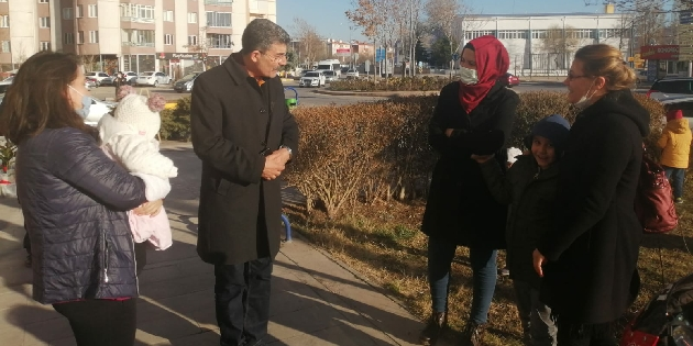 Vekil Ayhan Erel sokağın sesi olmaya devam ediyor