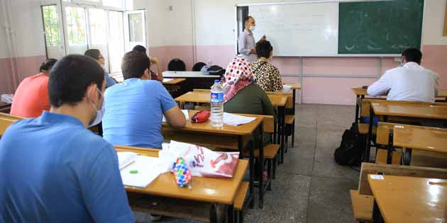 Aksaray Belediyesi gençleri geleceğe hazırlıyor