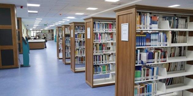 ASÜ Kütüphanesi kurallar çerçevesinde öğrencilerin hizmetinde
