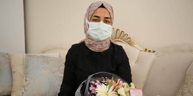 Vali Aydoğdu'dan Fatma Öğretmene çiçekli kutlama