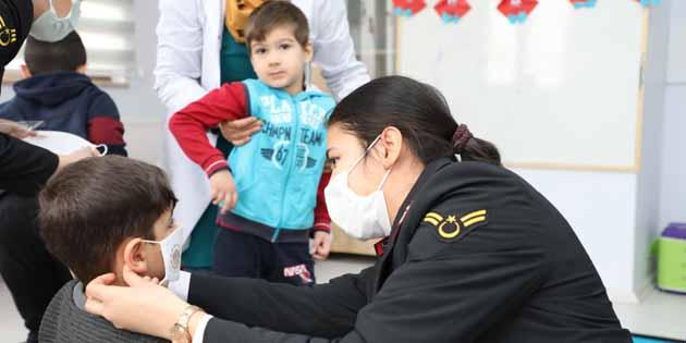 Jandarma'dan ihtiyaç sahiplerine anlamlı yardım