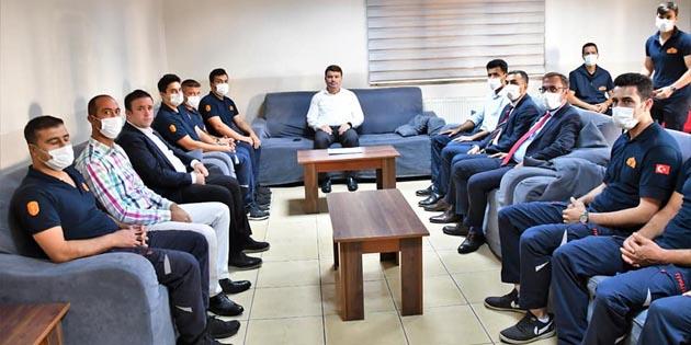 Başkan Dinçer, belediye personeli ile bayramlaştı