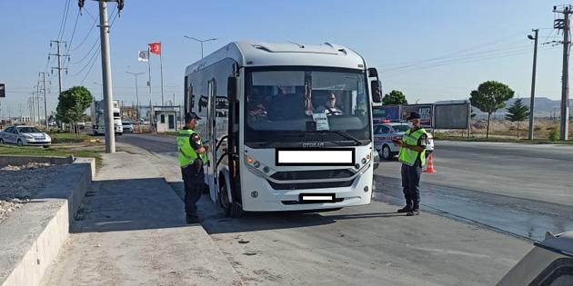 Aksaray'da işçi ve personel servisleri denetleniyor
