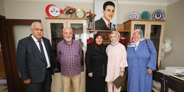 Vali Aydoğdu'nun eşi şehit ve gazi ailelerinin yanında