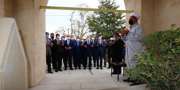 Tasavvuf ve halk şairi Yunus Emre mezarı başında anıldı