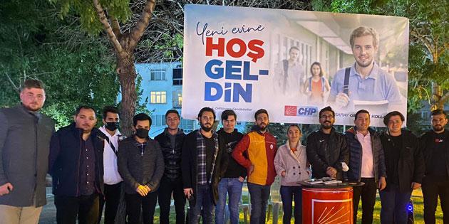 CHP Gençlik Kolları'ndan 'Hoş geldin' standı