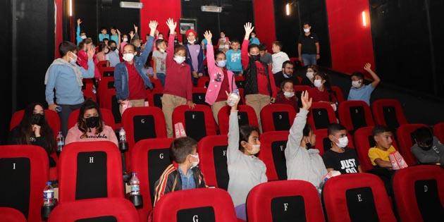 """Aksaray'da """"Sinemaya Gitmeyen Çocuk Kalmasın"""" projesi"""